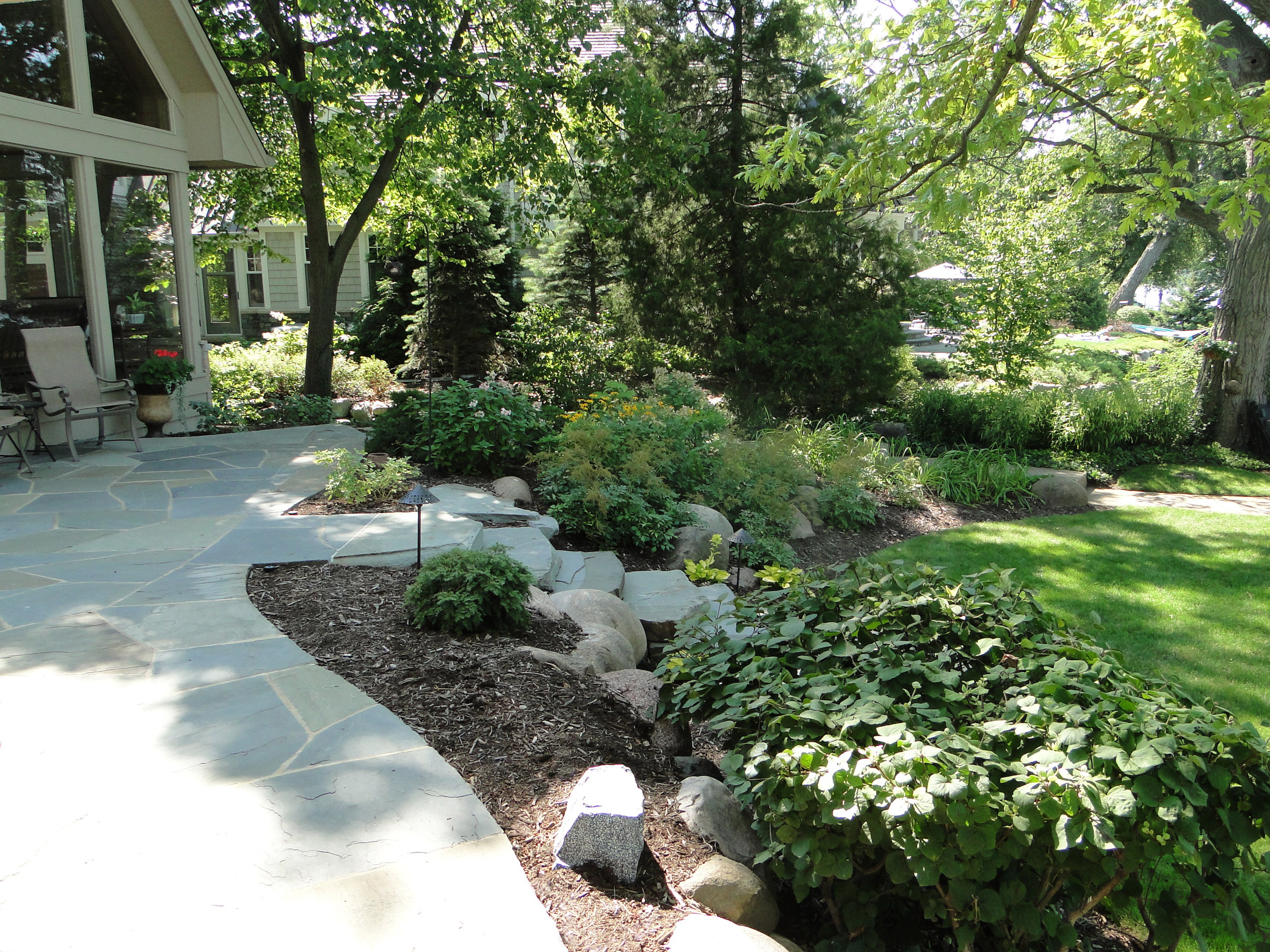Garden landscaping and hardscaping project complete